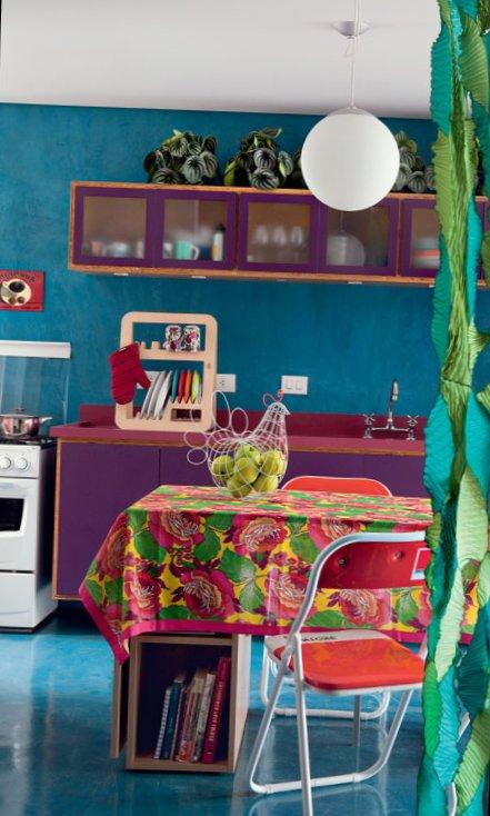 Small-colourful-apartment-5.jpg
