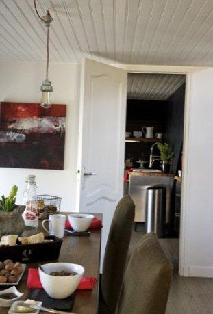 Spacious-apartment-in-the-suburbs-of-Paris-6.jpg