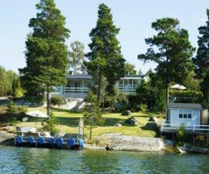 Summer-house-under-the-Stockholm-thumbnail.jpg
