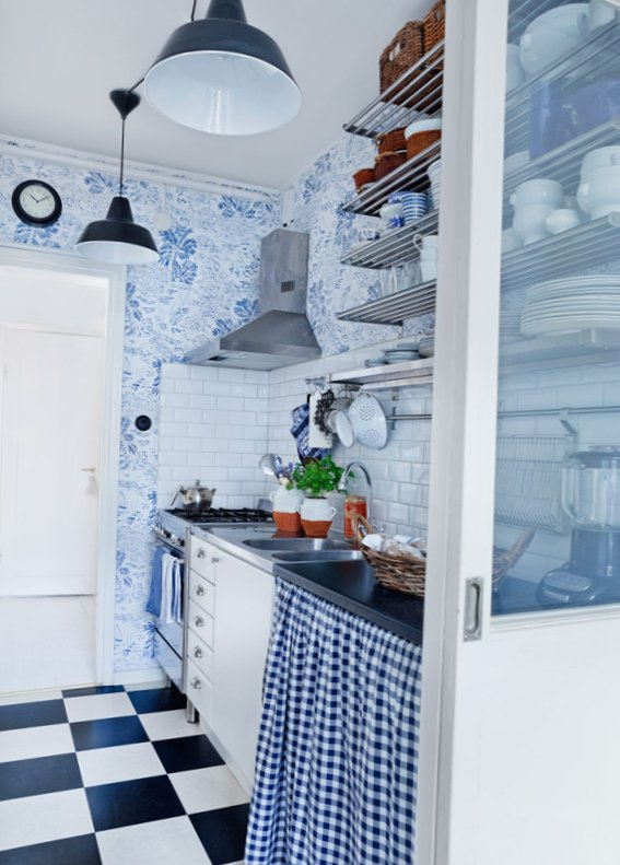 The-apartment-is-in-shades-of-blue-4.jpg