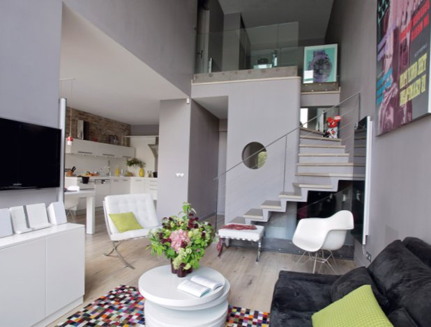 The-interior-is-in-grey-in-Paris-1.jpg