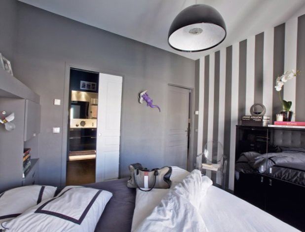 The-interior-is-in-grey-in-Paris-4.jpg