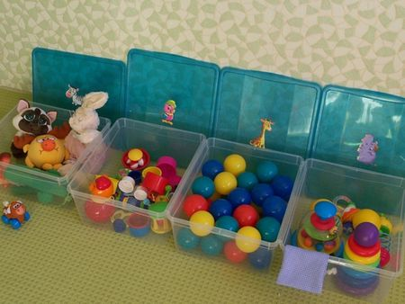 Transparent containers for toys storage