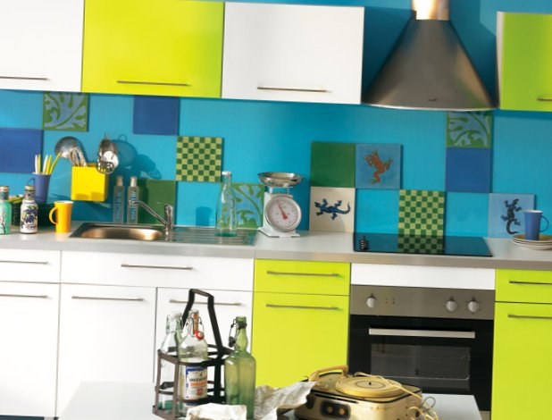 Very-bright-kitchen-1.jpg