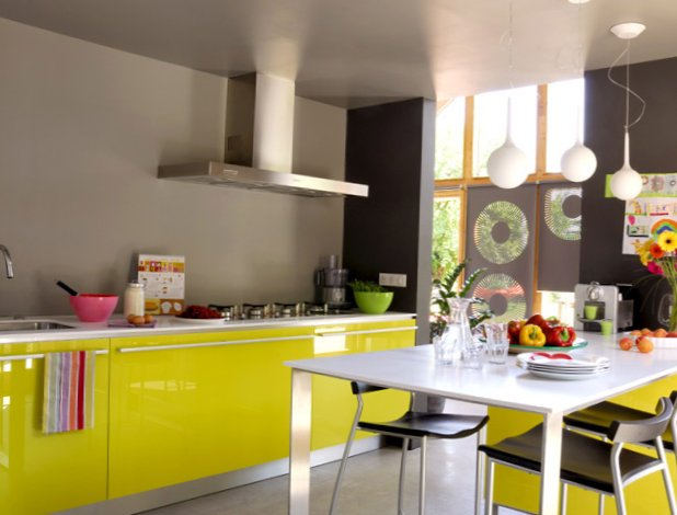 Very-bright-kitchen-3.jpg