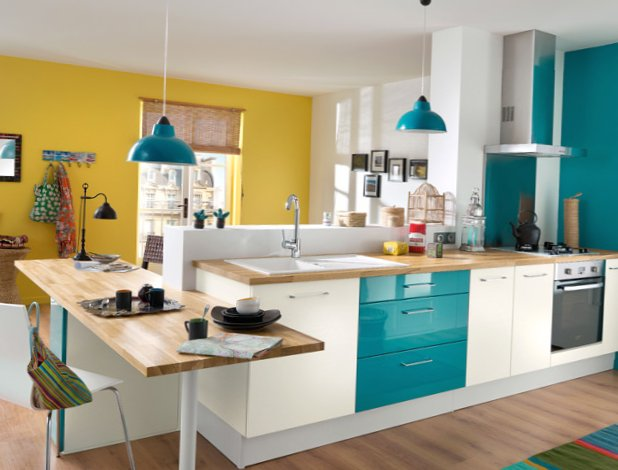 Very-bright-kitchen-4.jpg