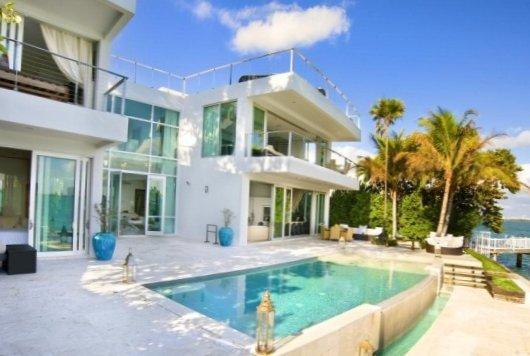 Villa in Miami heat-1