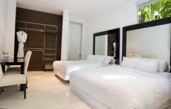 Villa in Miami heat-11