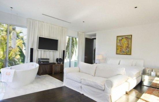 Villa in Miami heat-7