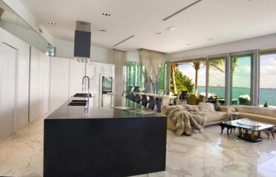 Villa in Miami heat-9