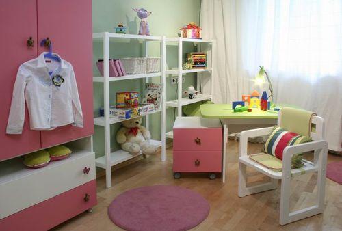 organizing kids room - open shelves