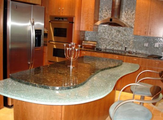 Bar in the Kitchen with Island Design 2
