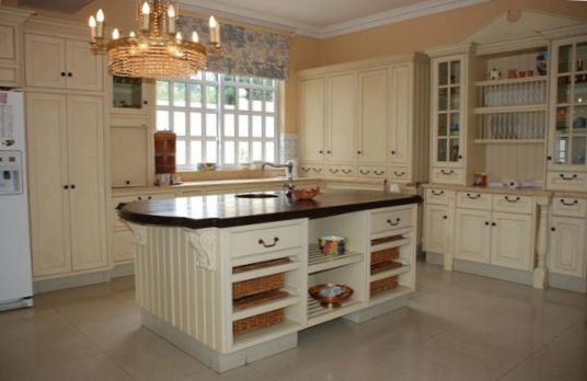Kitchen with Island Design 1