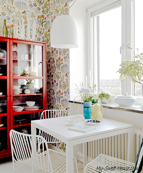 Scandinavian_style_red