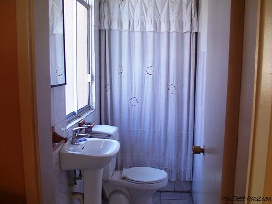 Spanish_Style-Bathroom-Design-Photo3