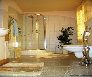 30+ Photos of Italian, French, English, German and Spanish Bathroom Designs