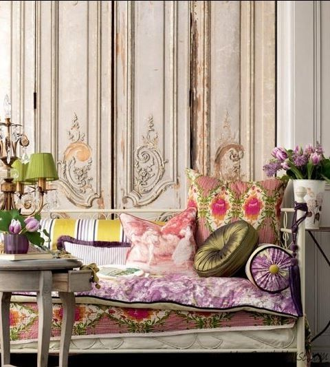 9-Mixing-Patterns-in-Living-Room-1