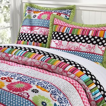 Teen-Girl-Mix-Match-bedding-idea
