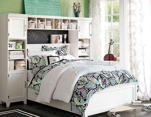 TeenGirl-Beadboard-bedroom