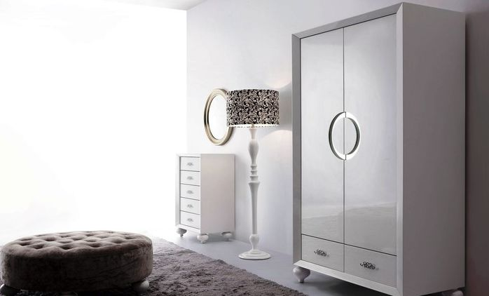 White Wardrobe with high gloss lacquered finish