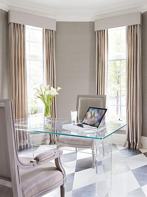 white interior design with crystal idea 3